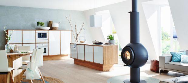 Skandinavische Wohnküche mit conlino Lehm-Glätte Muschel