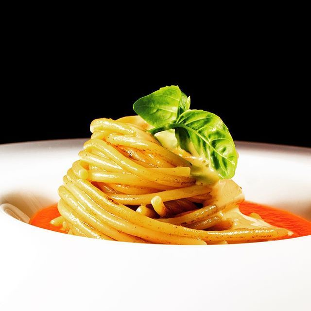 "JRE FOOD TOUR Chef JRE Marianna Vitale ristorante Sud Quarto (NA) http://www.sudristorante.it #mariannavitalechef #mariannavitale #ristorantesud #jrefoodtour #jrestartoftour  #eightysevenjre  #colour #creativity #instafood #foodie #gourmet  #foodpic #foodphotografy  #amazing #delicious #theartofplating #deliciousfood  #arounditaly #enjoy  #ristorante #foodie #photooftheday  #tasteflavours @michelinstarfood #michelinstarfood #starmichelin ""spaghetti pizza margherita"""