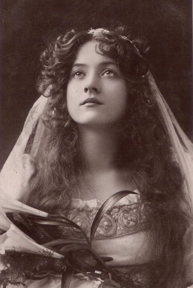 Maude Fealy {20s #actress #vintage #portrait