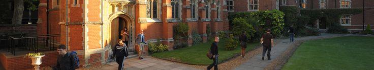 """Ridley Hall    """"Newnham:  Ideal para estudiar en Cambridge    Cambridge es una ciudad universitaria inglesa que cuenta con varios siglos de historia desde su fundación. Se encuentra aproximadamente a 80 kilómetros de Londres.    #WeLoveBS #inglés #idiomas #Cambridge   #ReinoUnido #RegneUnit #UK  #Inglaterra #Anglaterra #College"""""""