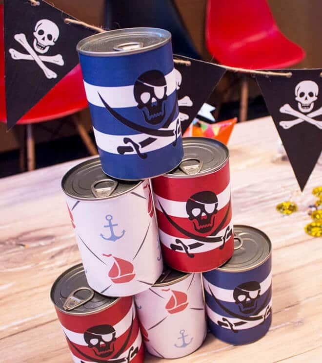 Pirate banderols for cans to print. Download here all the crafting templates for the perfect Pirate Kids Birthday!