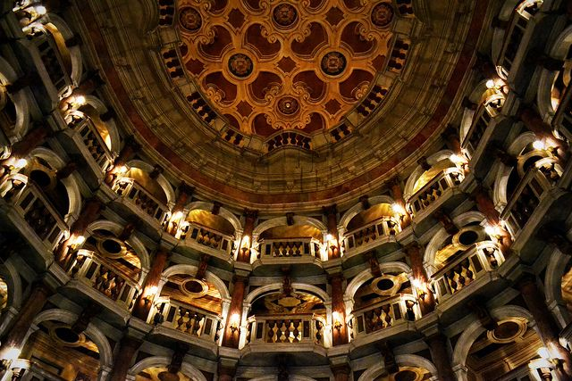 Mantova - Bibiena theatre by Giulia van Pelt, via Flickr