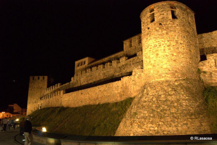 Castillo templario de Ponferrada, León :: Albergues del Camino de Santiago