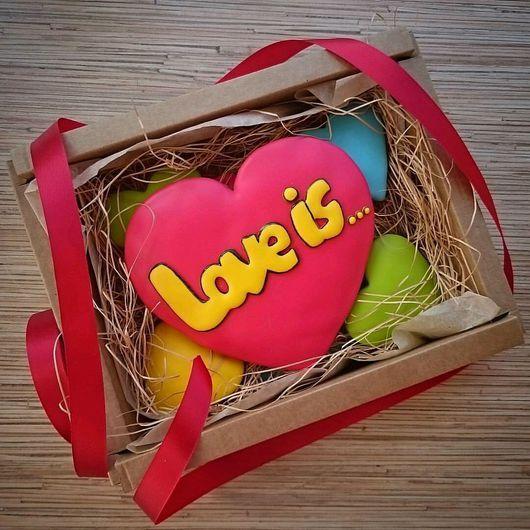 Кулинарные сувениры ручной работы. Ярмарка Мастеров - ручная работа. Купить Набор пряников Love is.... Handmade.
