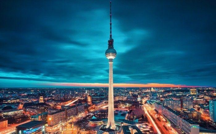 Die Schonsten Stadte Europas In 80 Fotos Archzine Net Fernsehturm Berlin Fernsehturm Hotel Deutschland