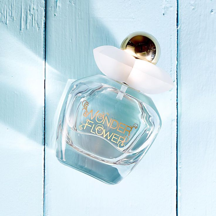 Love the unexpected? Then you'll adore the Wonderflower fragrance with uplifting pear and floral notes. #oriflame #wonderflower #perfume