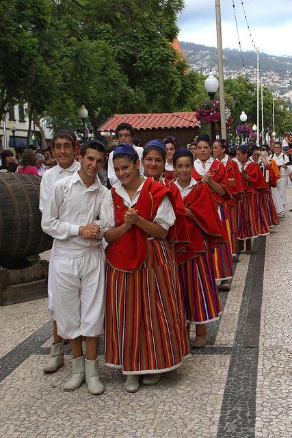 718 best images about Trajes de Portugal on Pinterest ...
