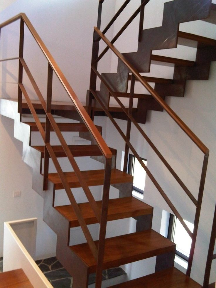 17 mejores ideas sobre escalera de hierro en pinterest for Escalera recta de hierro y madera