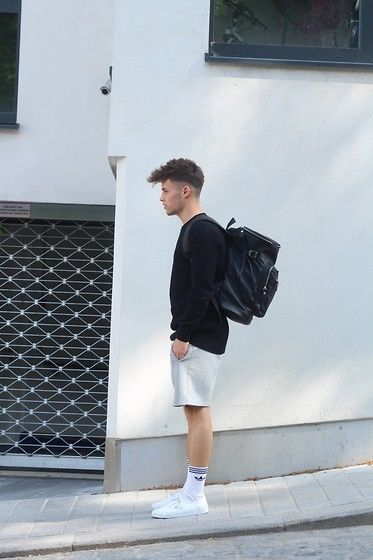 Vans Sneakers, Adidas Socks, H&M Shorts, H&M Sweater, Asos Bag