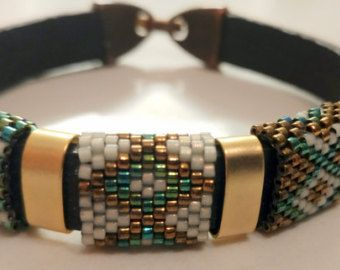 Leather Bangle, Leather Bracelet, Beaded Bangle, Peyote Bracelet, Miyuki Delica beads, Geometric pattern, Bronze separator, Latch Cap Clasp