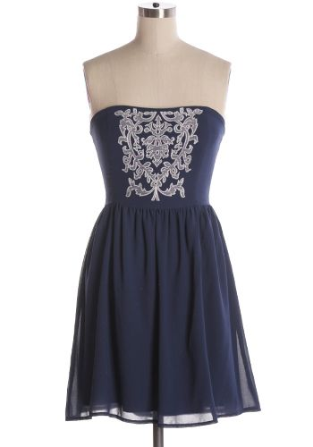Be whisked away to a far off land of of princes and castles with this beautiful strapless dress with embroidered front. Fits small. 65% silk, 35% polyester. Not stretchy. Lined. Back zipper. Indie, Retro, Party, Vintage, Plus Size, Convertible, Cocktail Dresses in Canada Memories Of Versailles Dress -