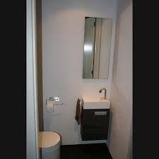 17 beste afbeeldingen over wc ontwerp op pinterest toiletten foto 39 s en zoeken - Decoratie toilet ontwerp ...