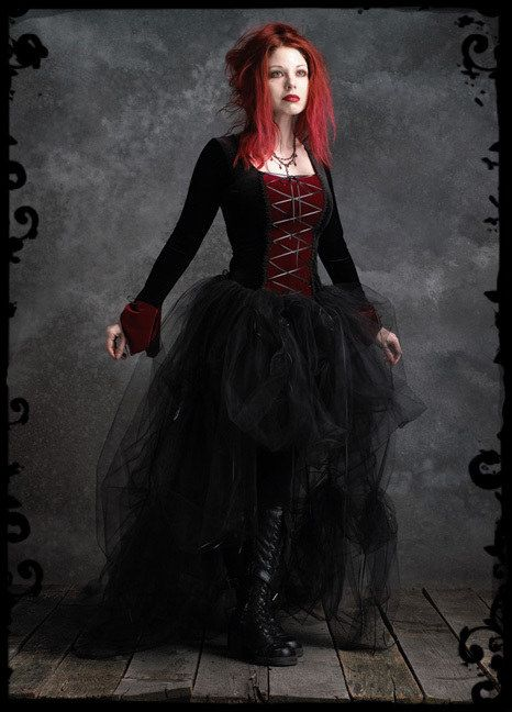 Best 25 Romantic Goth Ideas On Pinterest Goth Dress Gothic Fashion Shoes And Casual Gothic