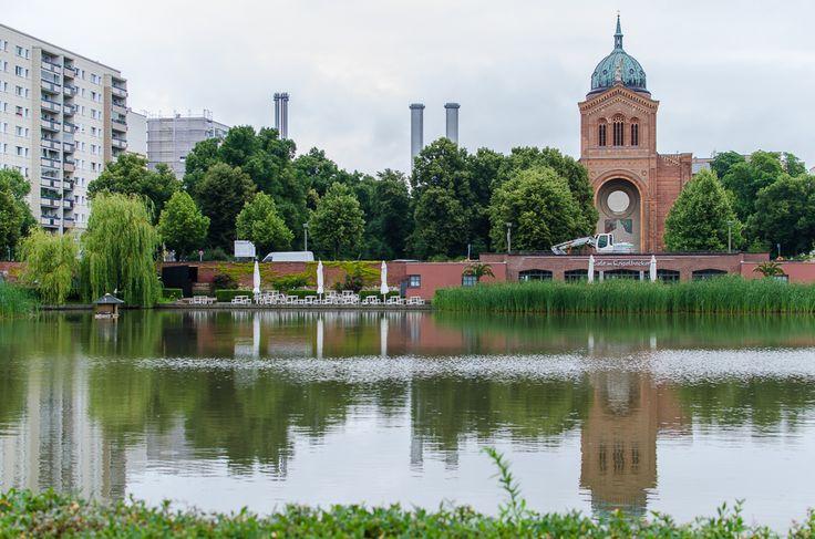Engelbecken and Sankt-Michael-Kirche in Berlin - PhotoExplore