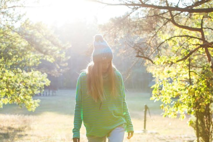 Autumn coming... #girl #model #blonde #hat #hoodie #green #blue #sunshine #colorshake #warsaw