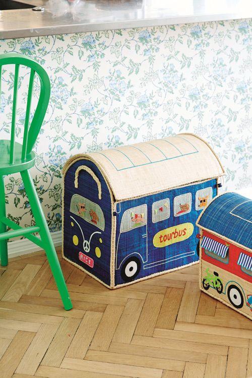 Toy Box Campervan Storage Basket - Large - RICE http://www.smukke.pl/pl/p/DUZY-POJEMNIK-NA-ZABAWKI-Z-RAFII-POCIAG/269