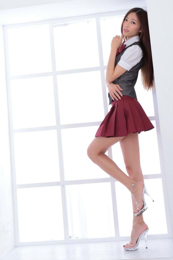 китаянки в кружевных мини юбки длинные ноги красиво