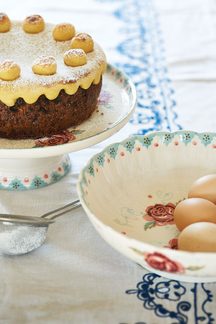 Rose & Bee Cake Stand and Fluted Bowl http://www.emmabridgewater.co.uk/icat/allpinks