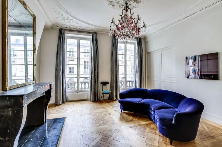 Rue Tournon 75006 Paris - 2-bed, 2-bath; 2nd floor (elevator); 84.27m2  € 1,950,000/ € 23,140 / m2 (2016)