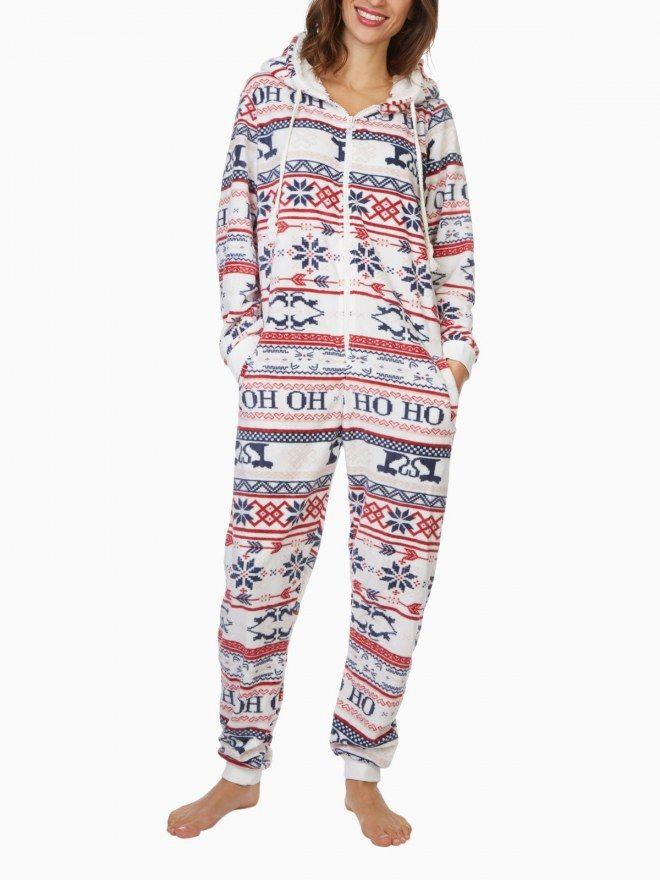 Ces pyjamas tout doux pour un moment cocooning parfait : shopping spécial pyjamas, one-piece et liquettes qui donnent envie de rester chez soi ! ///// #aufeminin #ElleHabiteLa #cadeau #cadeaufemme #Pyjama #renne #Noel #cocooning #hygge #homewear