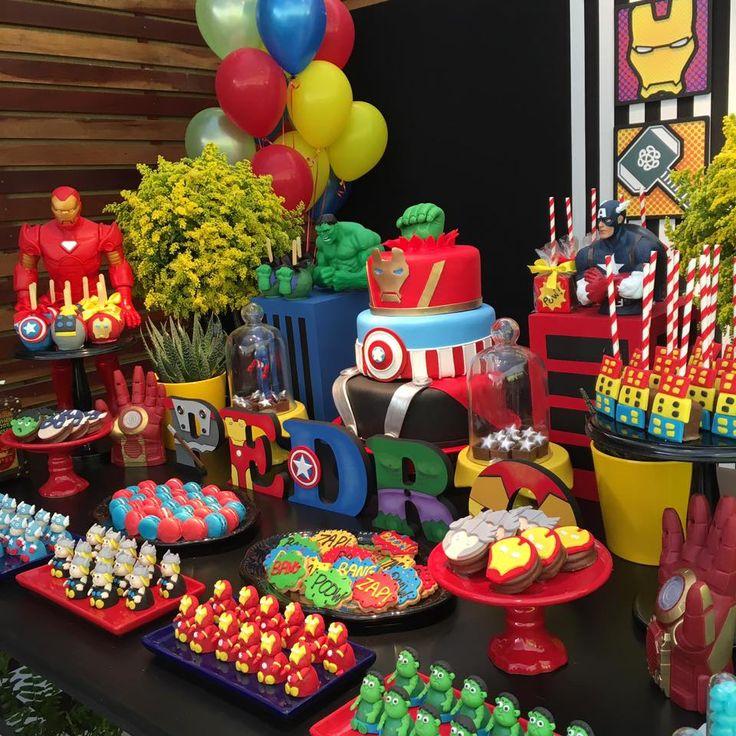 Olha que linda inspirção esta Festa Vingadores! Decoração Cris Machado Decor. Lindas ideias e muita inspiração. Bjs, Fabiola Teles. ...