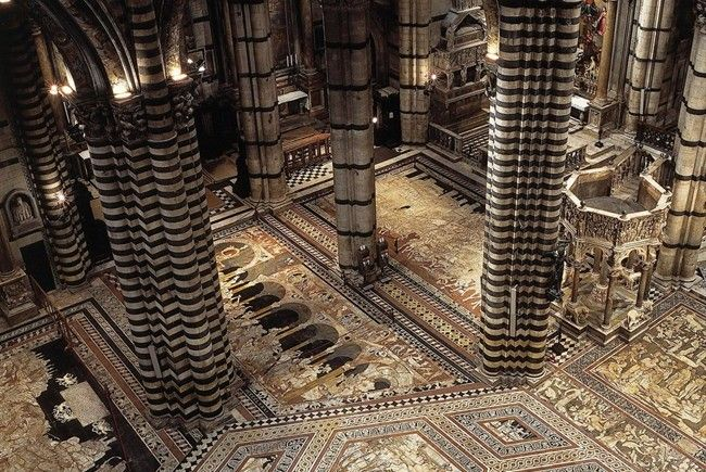 Admire the marvellous floor of the Cathedral of Siena till the 26.10.16