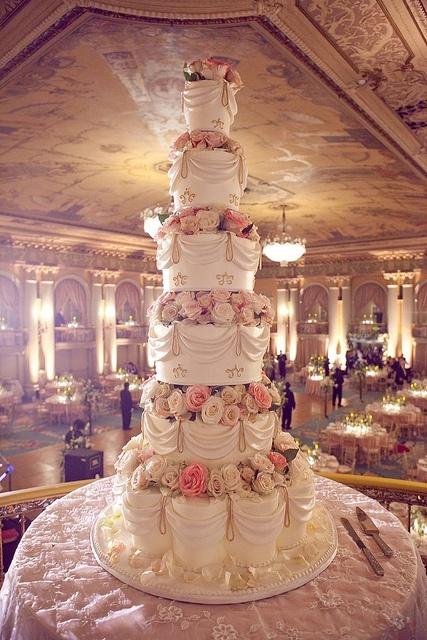 super gateau de mariage pice monte blanche et rose pour un mariage de princesse - Gateau Piece Montee Pour Mariage