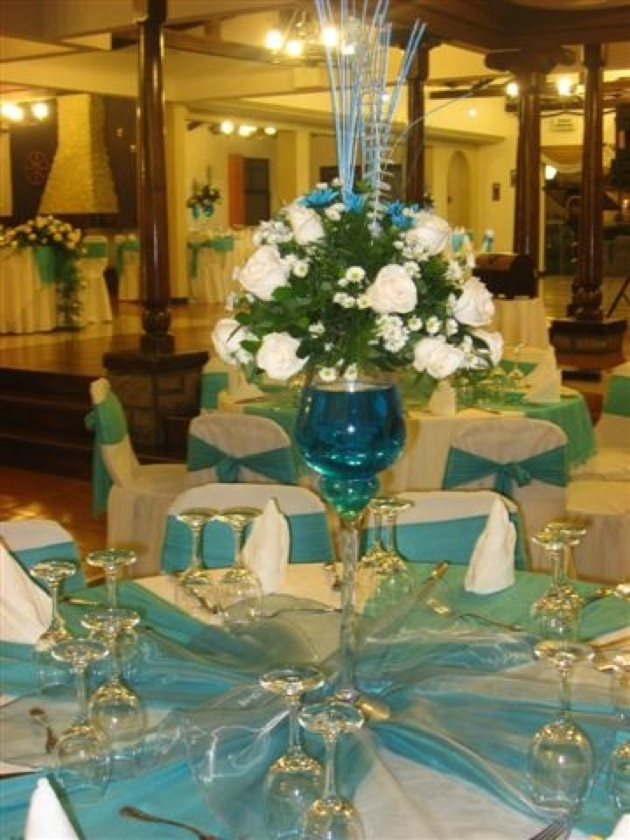 Best 25 Grand Entrance Ideas On Pinterest: Quinceanera Table Settings & Very Quinceanera Dreams Of