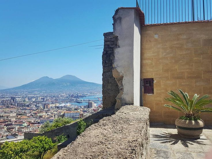 The Wall in Naples Italy  #naples #napoli #italy #travel #afternoon #city #view #wall #bluesky #street #streetphotography #galaxys6