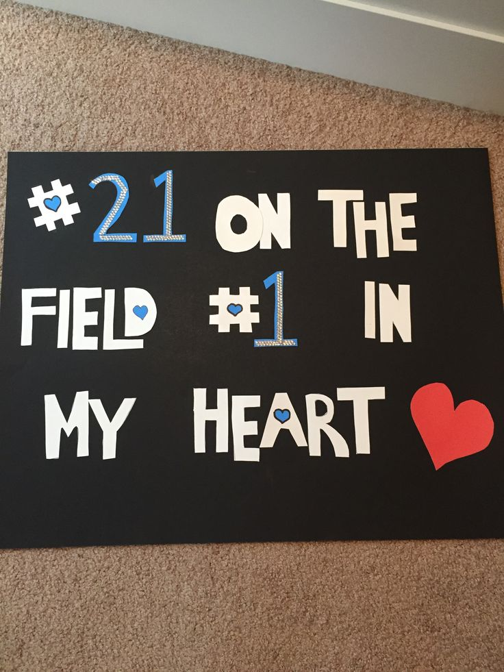 So cute for supporting your boyfriend on the field!