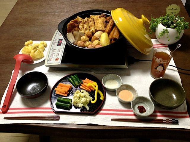 ランチで残ったスティックサラダを盛り付け直して晩ご飯に。(^_-) - 22件のもぐもぐ - おでん(ごぼう天・たこ天・いか平天・竹輪・三色串・和牛串・こんにゃく・餅巾着・大根・じゃがいも・卵)、スティックサラダ、菊芋茶 by pentarou