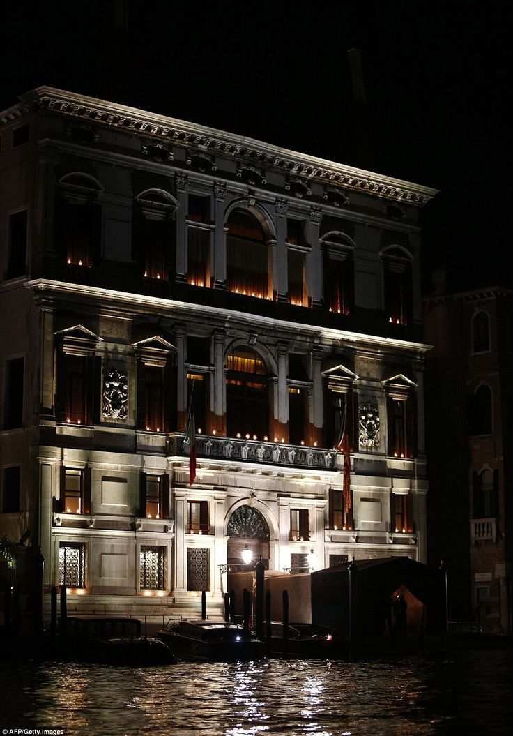 Time To Party The Plush Palazzo Papadopoli Hotel Aman Is One Of Most Luxurious Hotels In Venice Site For George Clooney S Wedding