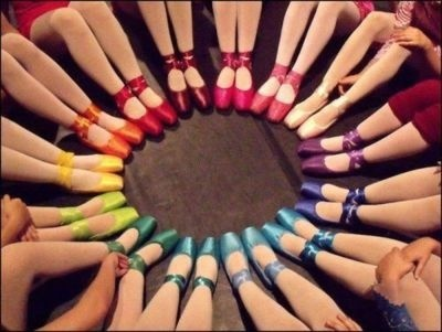 Arco iris de zapatillas de punta ...