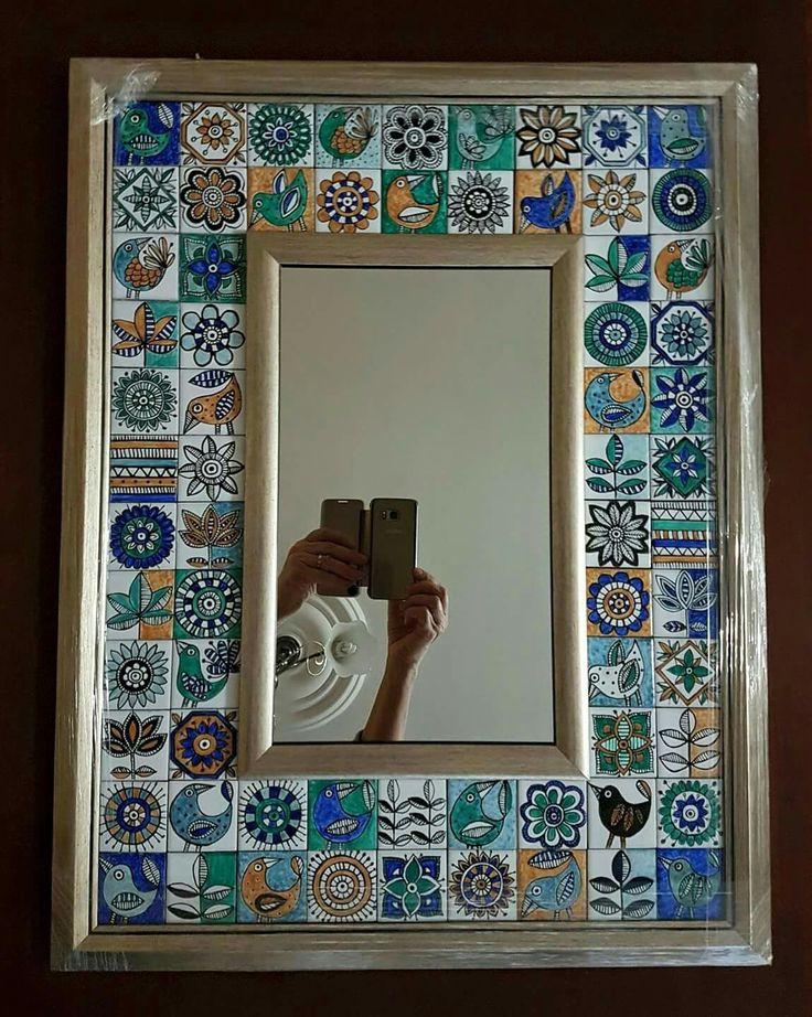Semra Yahya Porselen çalışmalarım 2016. Ayna çerçevesi 50 × 65 cm. 68 adet 5 cm. Karo dan