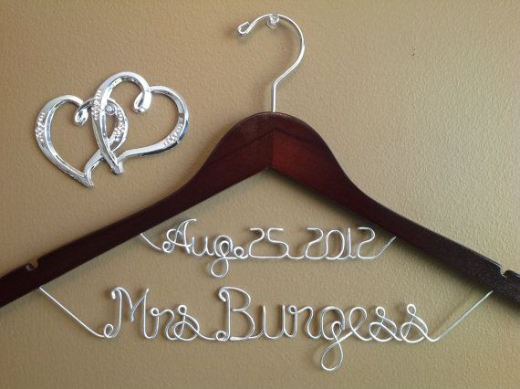 Personalized wedding hangers bridal hangers wedding gift for Personalized wire wedding dress hanger