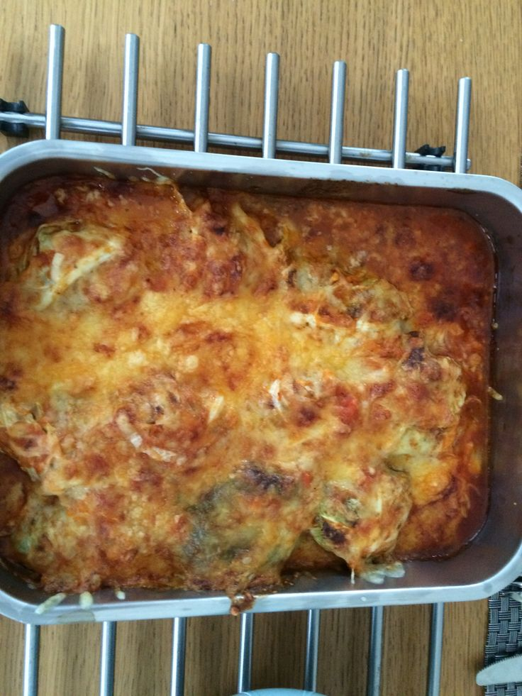 Groene kool met gehakt en tomatensaus uit de oven