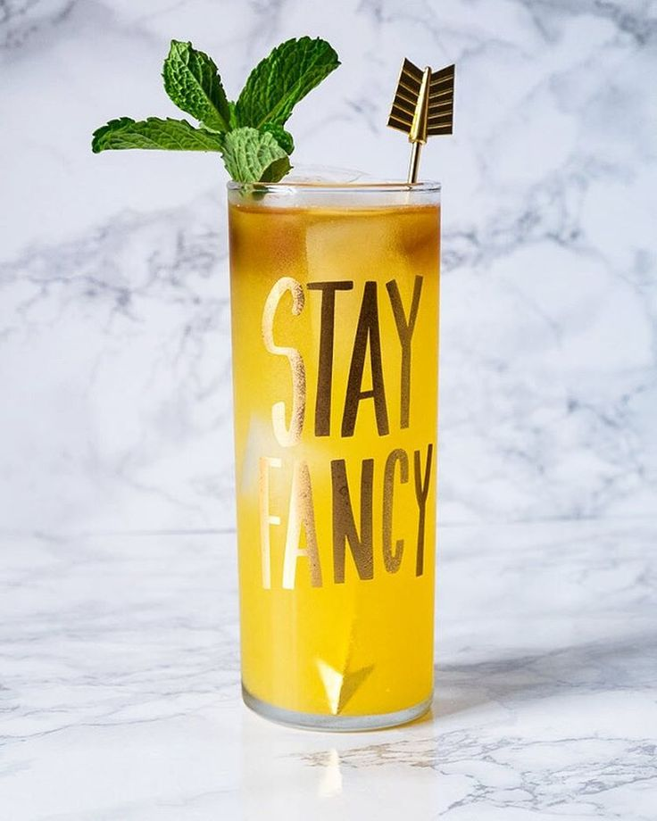 • Photographer & Cocktail Blogger from Baltimore  • Legal drinking age please!