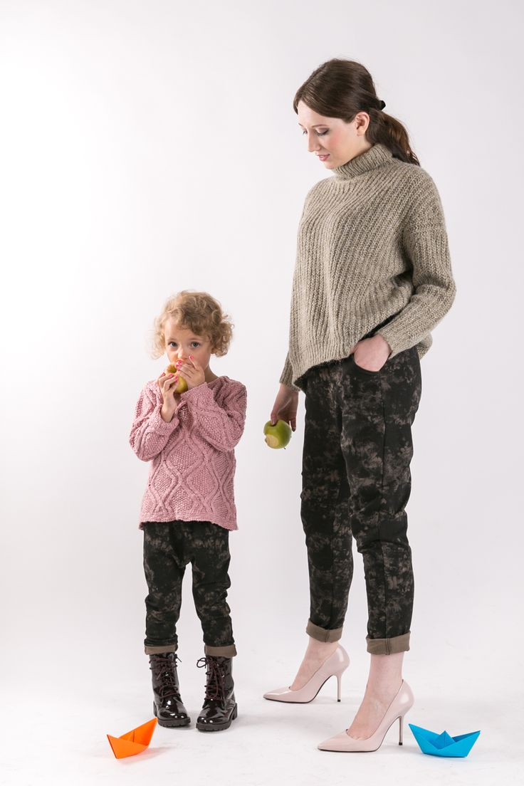 BATIK PANTS Set of two pairs of cotton comfortable pants - the same for mom and doughter. Matching mommy daughter outfits #fashion #thesame #brownpants #poland #kidsfashion #womanfashion #momandchild #girlfashion #boyfashion #elegant #comfortable #stylishkids #stylishmother #stylishgirl