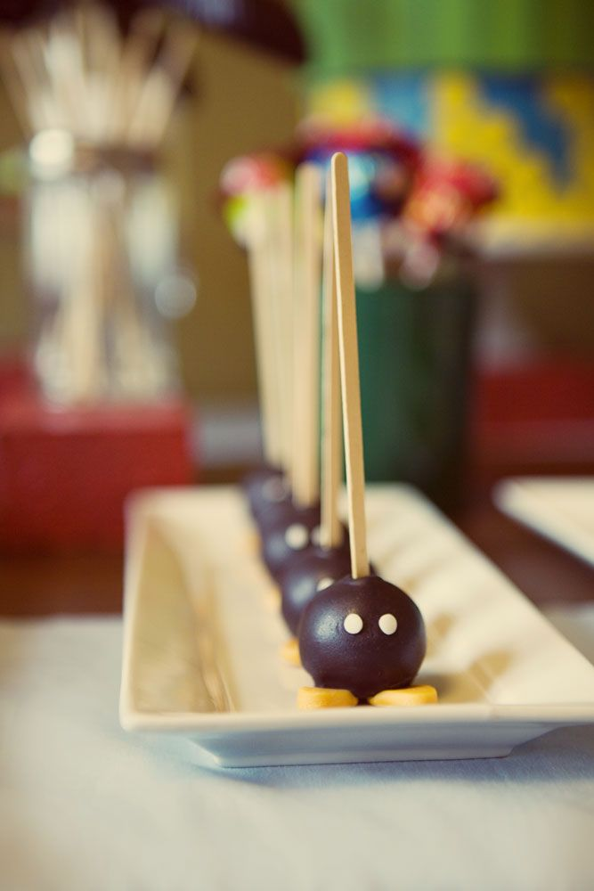 Super Mario party - bob-omb cake pops