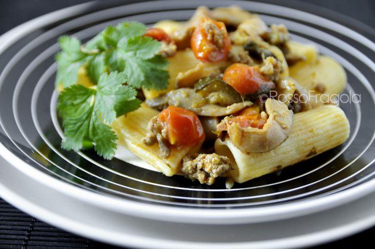 Pasta con salsiccia zucchine e funghi - ricetta gustosa