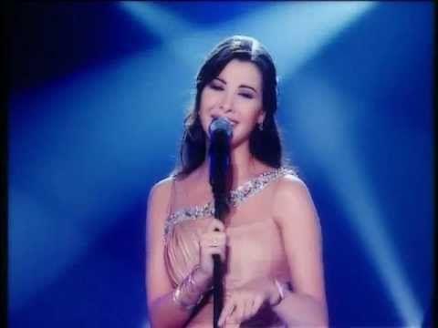 Nancy Ajram - Mestaniak (Live) نانسي عجرم -  مستنياك