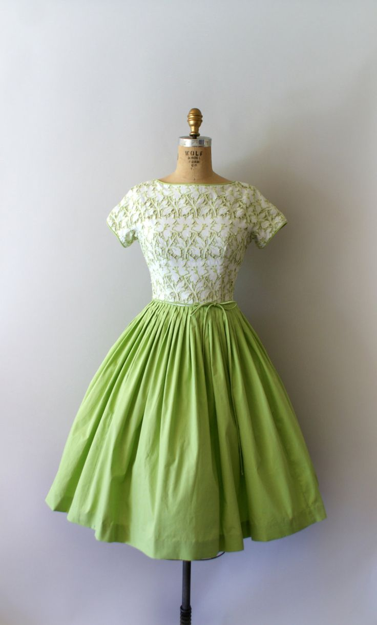 RESERVED Listing -- do not purchase!   Vintage 1950s dress, beautiful spring green cotton blend with cut-out white cotton bodice. Fitted bodice,