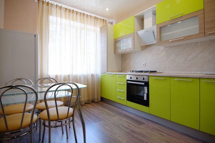 Предлагаем для долгосрочной аренды в Ставрополе  1 - комнатная квартира по адресу Краснофлотская 88/1, ЖК Адмирал, ремонт современный,встроенная кухня с духовым шкафом и вытежкой, шкаф-купе, мягкая мебель, теплая просторная лоджия, новая мебель, общей площадью 31 кв.м, дом Новый кирпич, Индивидуальное отопление, Газ-плита, наличие бытовой техники - стиральная машина (+), холодильник (+), телевизор (?),готовы доукомплектовать под ваши личные потребности, парковка подземная, номер…