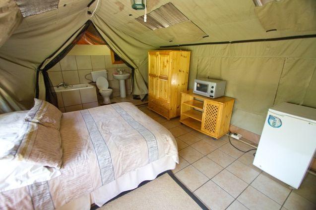 Phudufudu Tented Camp. Photo by Villiers Steyn.