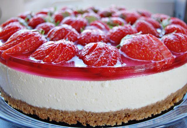 Ostekake med jordbær - http://www.mytaste.no/o/ostekake-med-jordb%C3%A6r-768181.html