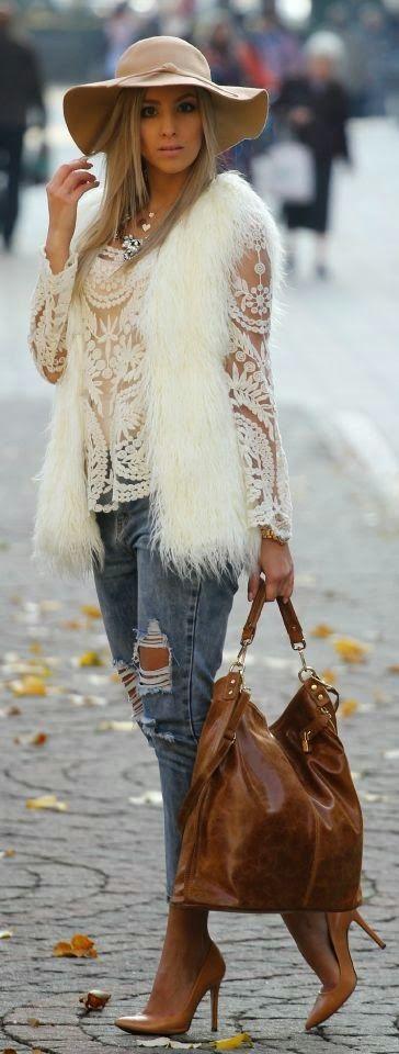 Street style #lace #fur #hat