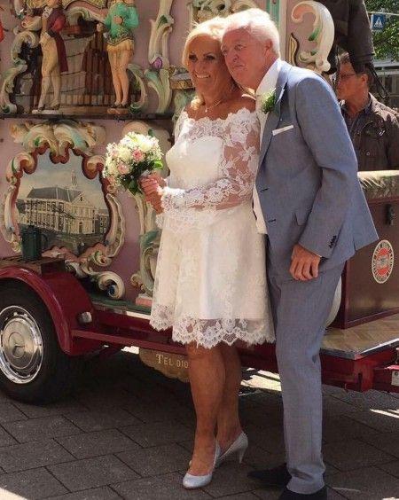 Lieve Victor,  O wat was het geweldig en wat was ik blij met de jurk.  Twijfels waren onnodig is straalde als een echte bruid . Cor vond me er zo mooi uitzien!  Heel veel dank en ik stuur alle komende bruiden naar je toe.  Liefs Greet