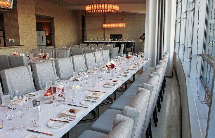 Long guest dinner table in Amuse Restaurant
