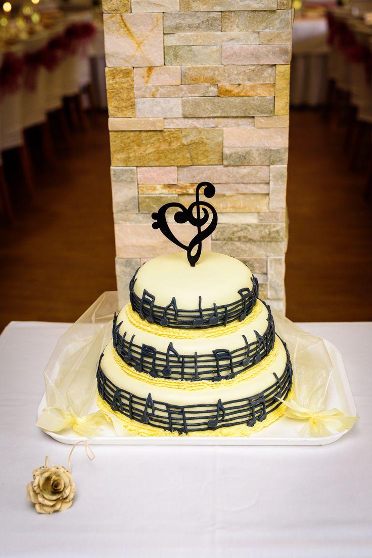 svatební dort s notami