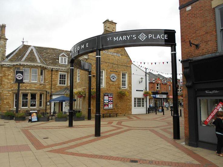 Gateway to shopping in Market Harborough